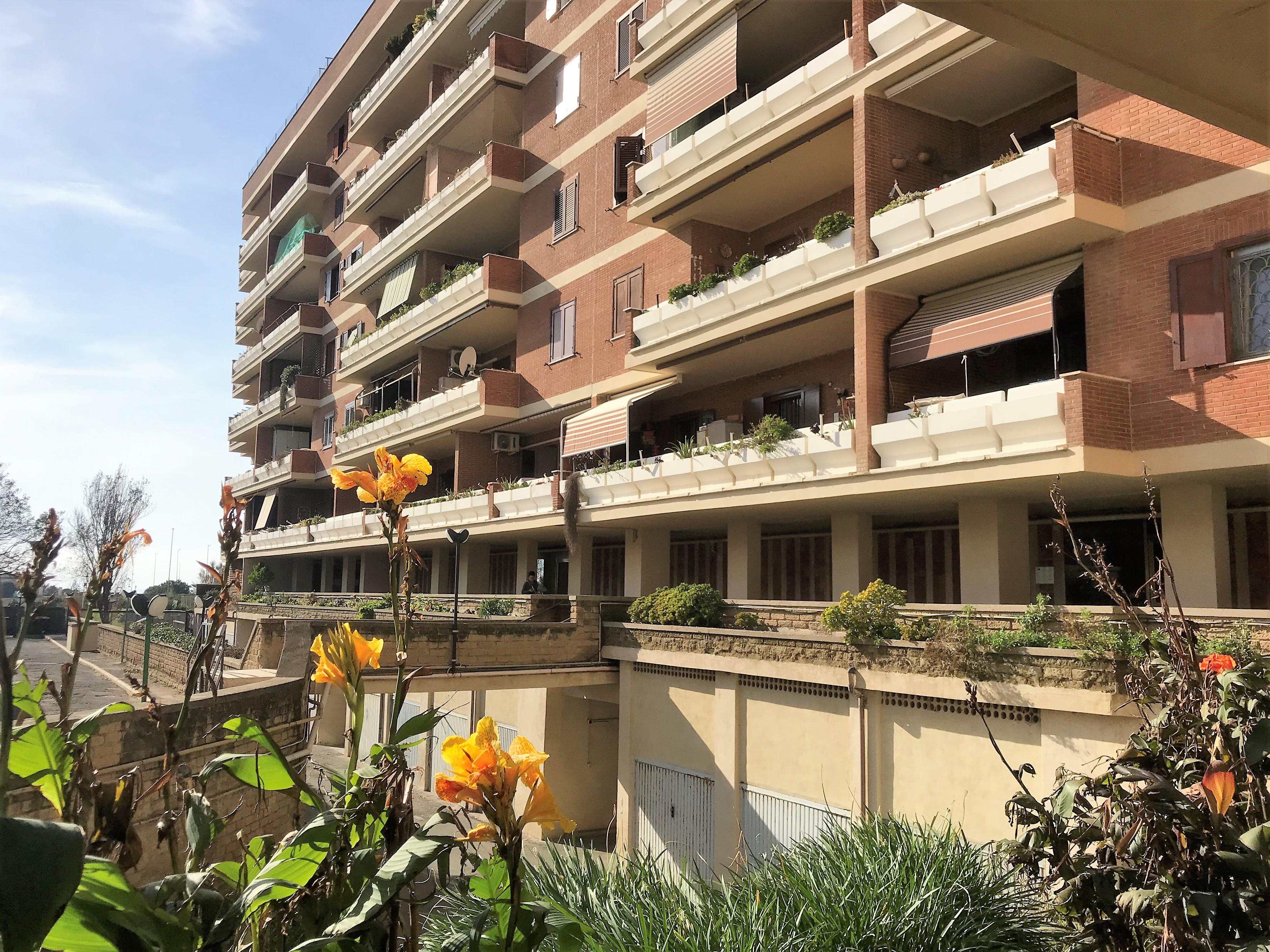 Ostia Lido Levante, quadrilocale in vendita in Via Renato Bellot