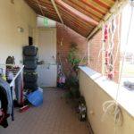 Appartamento in vendita a Fiumicino: balcone con tende da sole