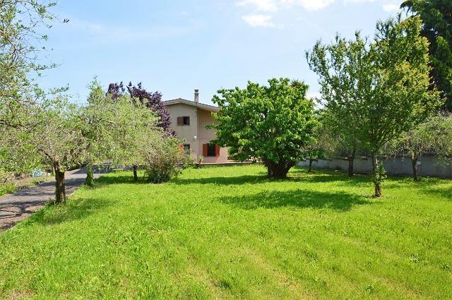 Villa bifamiliare in vendita a Marino in Via Campofattore