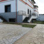Villa in vendita Infernetto: dettaglio giardino piastrellato