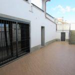 Villa in vendita Infernetto: ingresso con inferriata