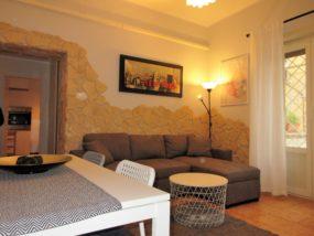 Bilocale con terrazzo in affitto a Ostia Lido Centro