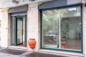 Ostia centro, Via dei Panfili, negozio in vendita con 4 vetrine