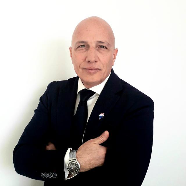 Giuseppe Barecchia agente immobiliare RE/MAX AREA Roma Lido di Ostia