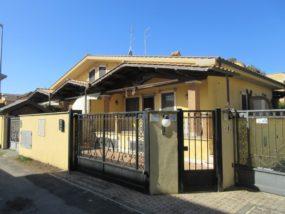 Fiumicino, villino in affitto in Via Giuseppe Oblach