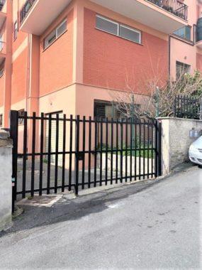 Magazzino in vendita, Via Breglia zona Massimina
