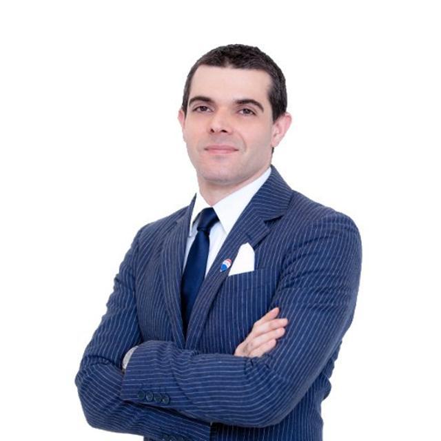 Luca Schieti, agente immobiliare ReMax Roma