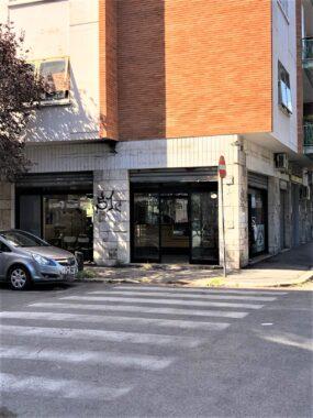 Appio latino, locale commerciale con 3 vetrine su strada