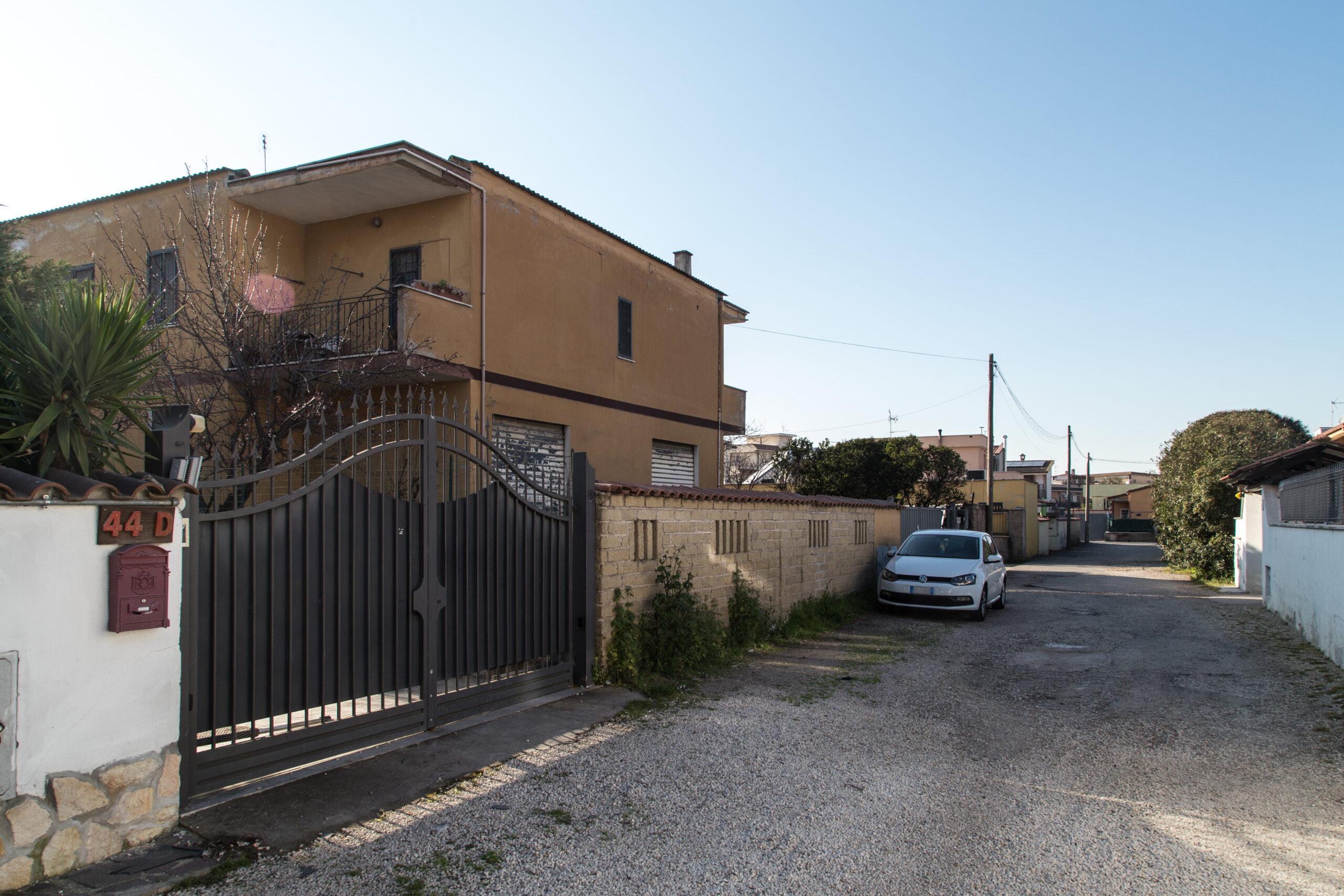 Ostia Antica, unica occasione, palazzina cielo terra con 3 unità immobiliari in vendita