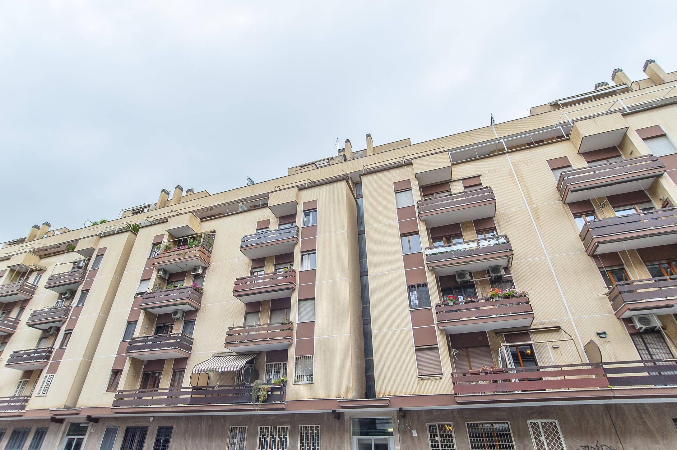 Ostia Levante, appartamento bilivelli in vendita