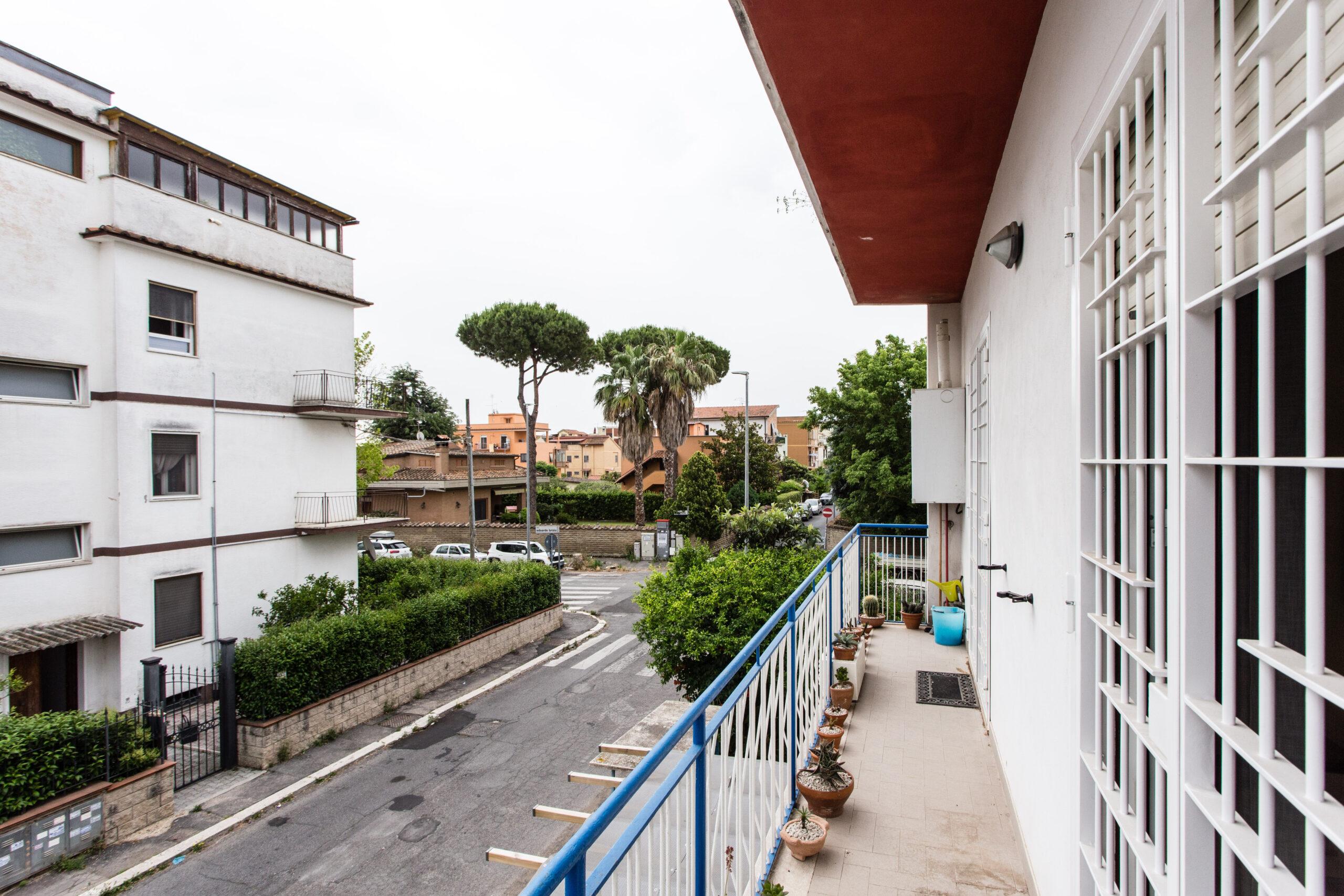 Ostia Antica, appartamento ristrutturato con balcone, cantina e posto auto