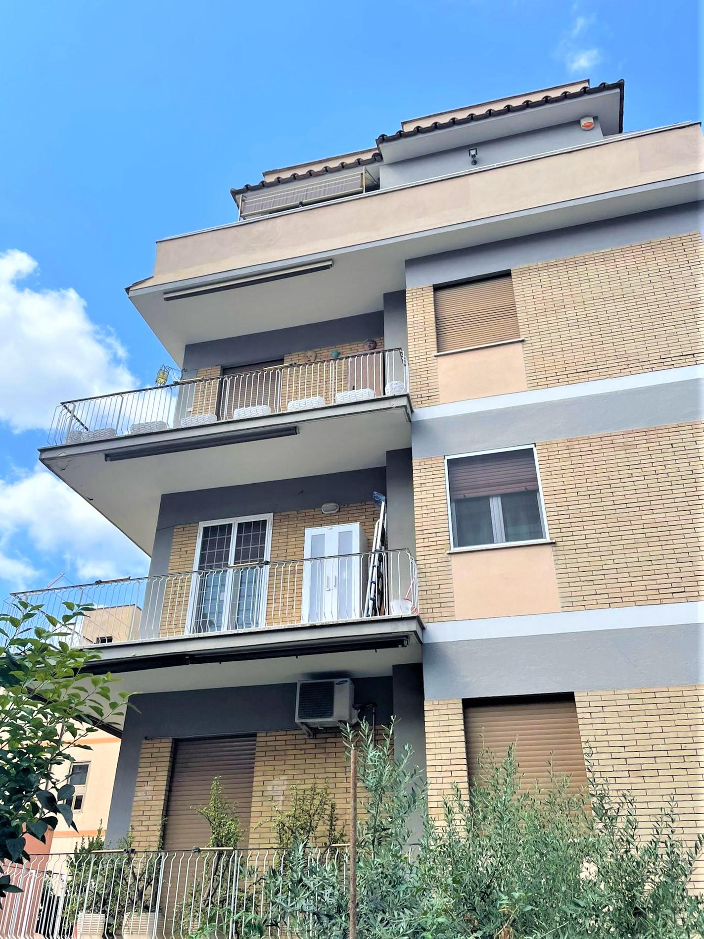 Battistini – Boccea , bilocale in locazione con balcone